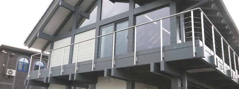 Commercial balustrade system